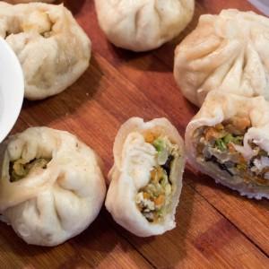 Кинески баоѕи или полнети виткани лепчиња со зеленчук