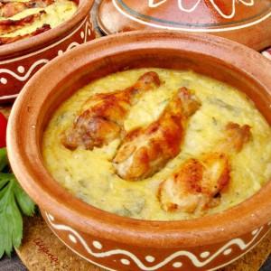 Пилешко со рендан компир