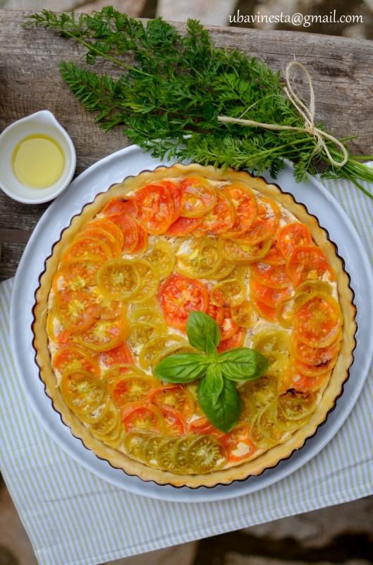 Тарт со урда и домати