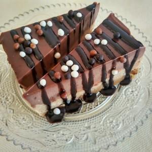 Иванденски чоколаден колач (без печење)
