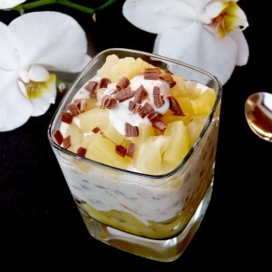 Тропски десерт во чаша