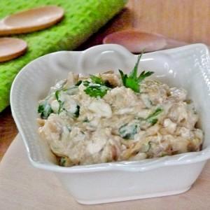 Летна салата со тиквички и сирење (хроно)