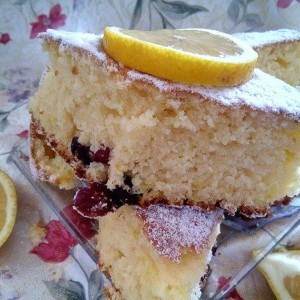 Лимон колач со брусница