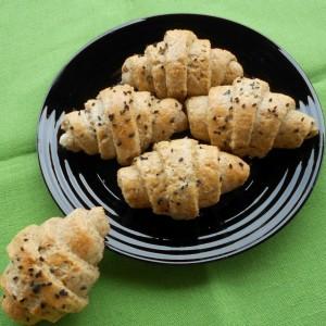 Интегрални  кифли од 4 вида брашно, полнети со фета сирење