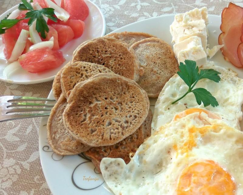 Мини палачинки со сусам и интегрални брашна  (хроно, посно)
