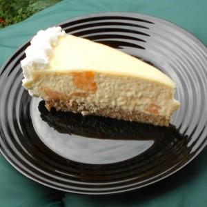 Торта  со праски, кондензирано млеко и маскарпоне сирење(Кетина торта)