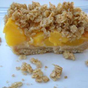 Крцкав десерт со праски