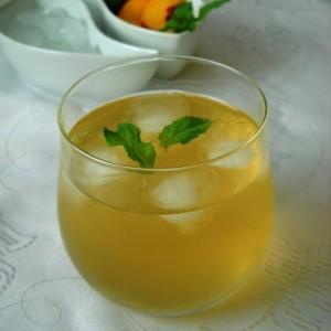 Ладен чај од праски