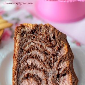 Зебра колач со чоколадо и шумско овошје