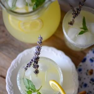 Лимонада со нане мента и ѓумбир
