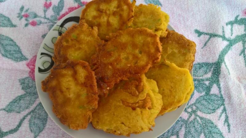 Полпети од тиквички и пченкарно брашно