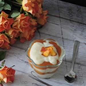 Леден десерт во чаша