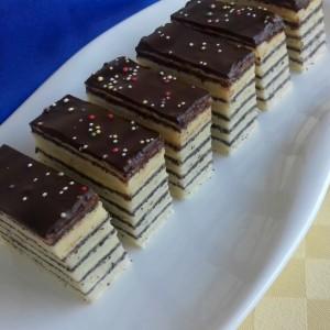 Ванила-афион розен торта