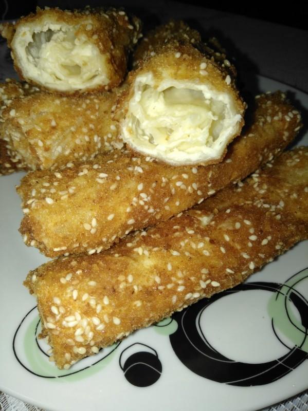 Лажни пирошки со готови кори