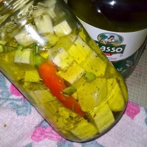 Сирење во маслиново масло