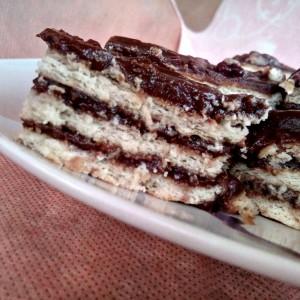 Чоколаден колач со бисквити (посно, без печење)
