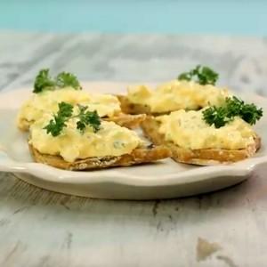 Видео рецепт: Салата од јајца