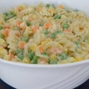 Посна салата со тестенини