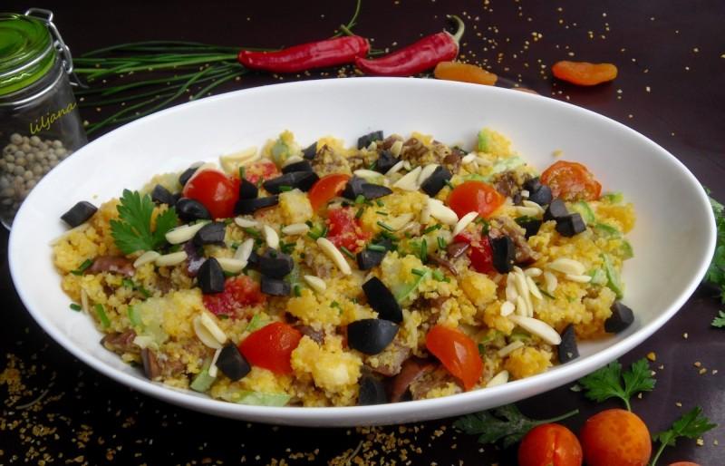 Кус-кус салата со тиквички и јатки