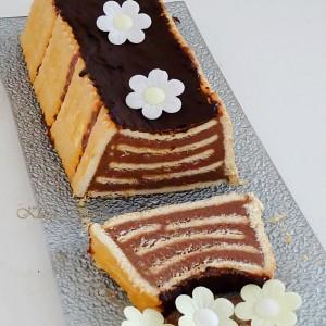Чоко-декоративна бисквитна торта (без печење)