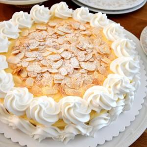 Шведска торта со бадеми (Икеа торта)