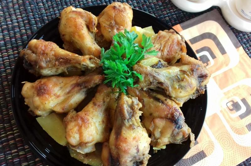 Пилешки кратки копанчиња со јогурт и многу зачини