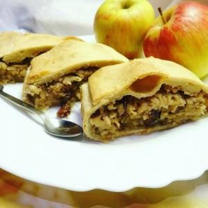 Безквасна штрудла од јаболки и бадеми