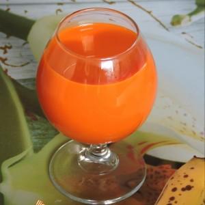Здрав пијалок од банана и морков