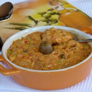 Компир салата со маслинки и ајвар (посно)