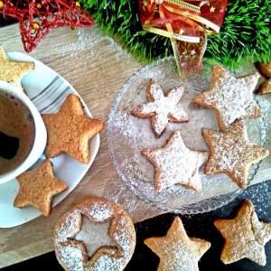 Ѕвездено небо – суви колачиња со ѓумбир, кокос и цимет