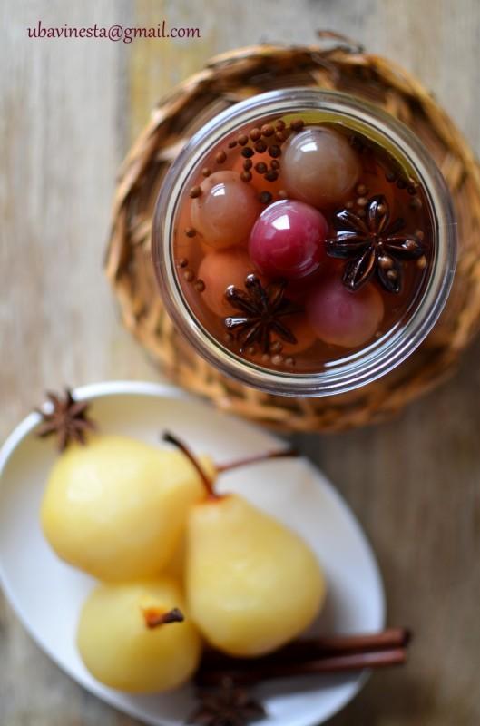 Зачинето грозје во оцет