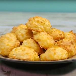 Видео рецепт: Пуфки од кашкавал
