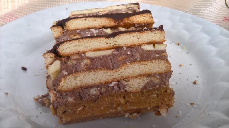 Лесна торта од бисквити