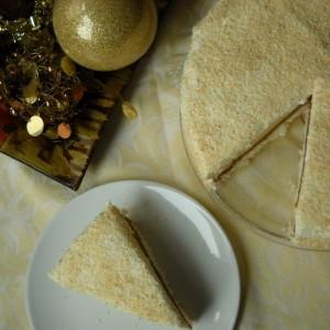 Тробојна кокос торта (јубилеен 100-ти рецепт)