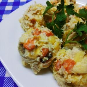 Пилешка салата со печурки