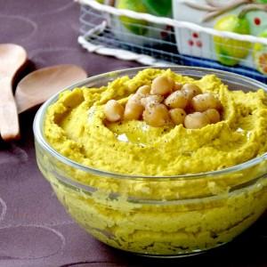 Намаз од наут со куркума (хумус од леблебија)