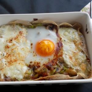 Гратинирани јајца со хроно палачинки, праз и шампињони