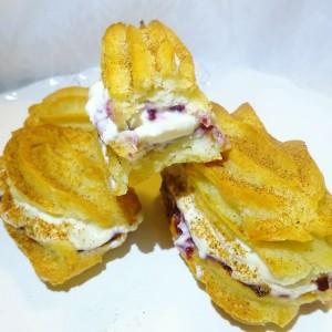 Еклери со путер од кикирики и џем
