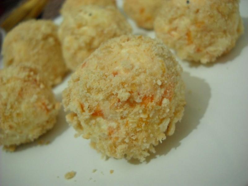 Солени бомбици со крекери