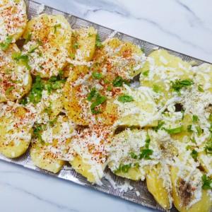 Прилог од компири со путер и сирење