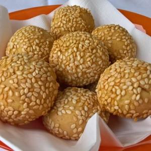 Посни солени топчиња со кикирики