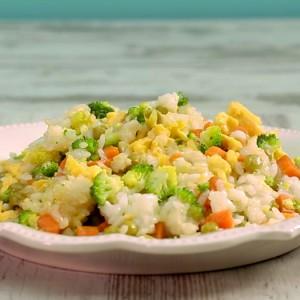 Видео рецепт: Ориз со зеленчук и јајца