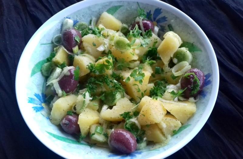 Посна компир салата