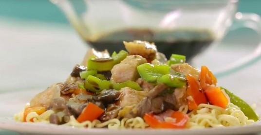 Видео рецепт: Свинско со шитаке печурки