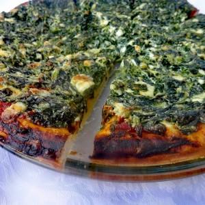 Вкусна пица со спанаќ и горгонзола