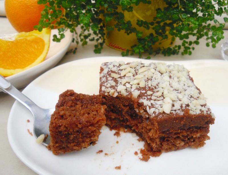 Посен колач - сочен како брауни