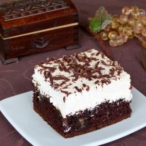 Чоко карамел колач со дупки