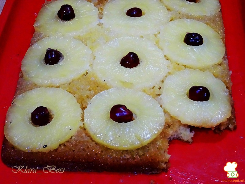 Превртена торта со ананас