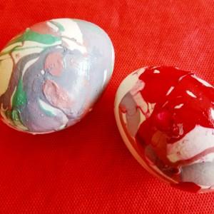 Велигденски јајца со лак за нокти