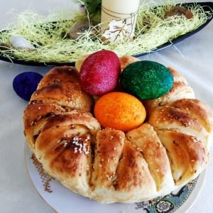 Велигденска погача со кајмак